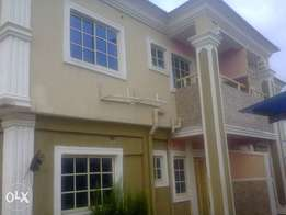 To Let! piX Newly built 3bdrm At Soluyi Gbagada, penthouse 800k 1yr