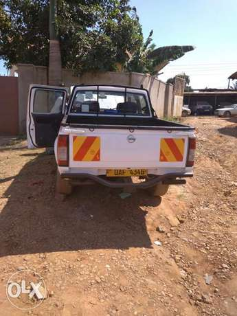 Toyota Hilux &Nissan hard body, 2000 and 2003 models. Kampala - image 1