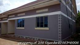 An excellent 2 bedroom house with 2 toilets in namugongo at 500k