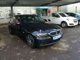 Very clean bmw e90 320i for R69000