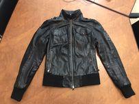 Б У Куртки - Жіночий одяг в Рівне - OLX.ua 22cff64b2dc5d