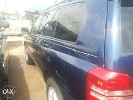 Very neat 03 highlander for sale