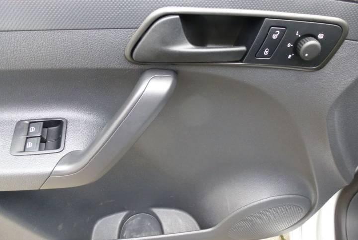 Volkswagen Caddy 1.6 TDI Kasten KLIMA SHZ TOP Zust. - 2015 - image 6