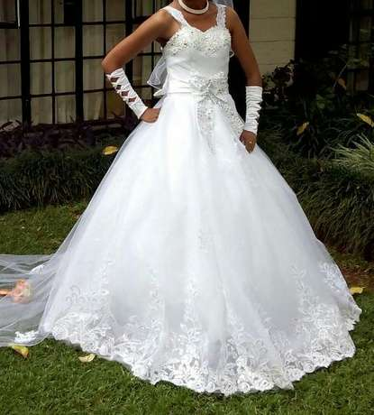 Wedding gown Kasarani - image 1