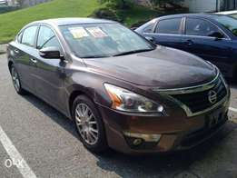 clean Tokunbo 2013 Nissan Altima
