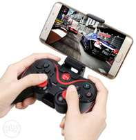 Wireless Bluetooth Game Pad For Android and IPhone