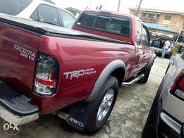 2002 tokunbo Toyota Tacoma with 1& half cabin for sale