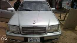 It's Nigeria used clean and confirm Mercedes 200 for sale