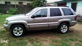 Grand Cherokee 2011 model, full option and in perfect condition.