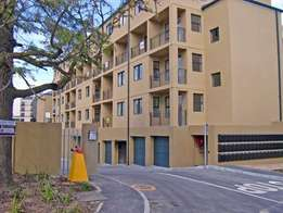 2 Bedroom Simplex Apartment for Sale in Bellville/Boston
