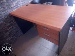 Classy 4ft office table