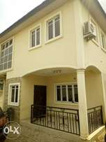 Detached 4 bedrooms duplex for rent in oluyole Estate