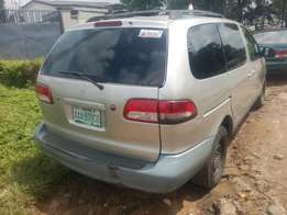 Registered 2002 Toyota Sienna LE