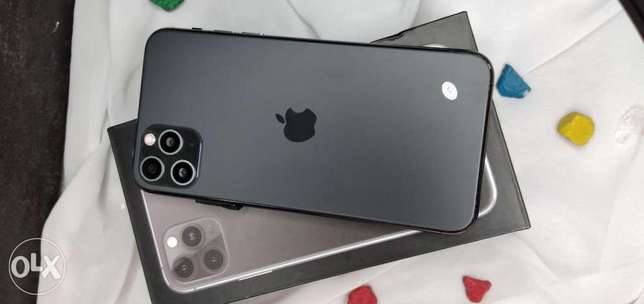 By sell i phone 11 pro max 64 giga cam 16×3