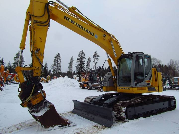 New Holland Myyty! Sold! E235bsrlc Proboengcon - 2010 - image 10