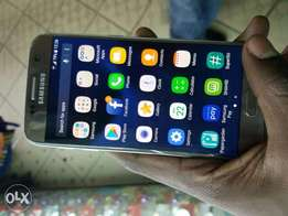 Samsung Galaxy S7 1month old quick on sale