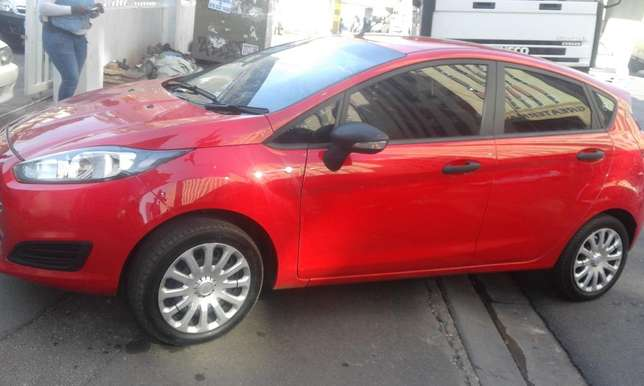 Ford fiesta 2014 model red in color 39000km R143000 with full service Johannesburg CBD - image 2