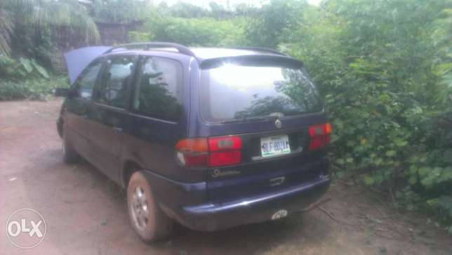 volks wagen sharan blue first body New Haven - image 1