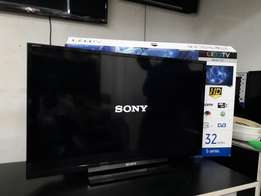 32 inches Sony Bravia LED flat screen TV