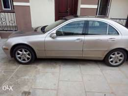Neatly used Mercedes Benz C320 for sale