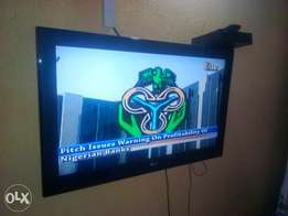 """LG 32"""" TV for sale in kubwa"""