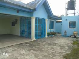 A well finish 4 bedroom bungalow at Eliozu