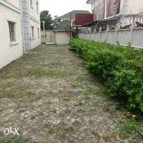 Waterfront house in parkview estate ikoyi on 2200sqm with pool and gym