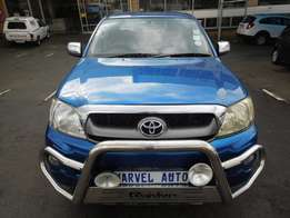 2013 Toyota Hilux 2.7 raider Double Cab For R185000