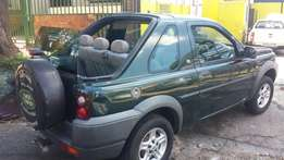 2000 model landrover 1.8 and more suv, whatsapp or call for info