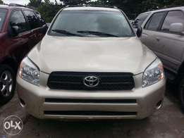 Very clean Toyota RAV4 2005 model