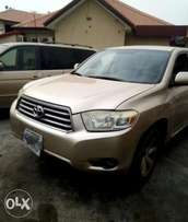 Very Clean Toyota Highlander 3Rows