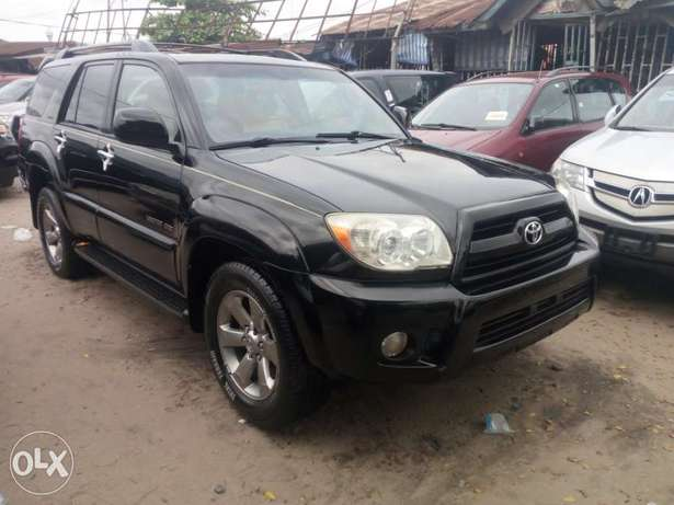 2008 Toyota 4runner black. Limited edition. Direct tokunbo Apapa - image 2