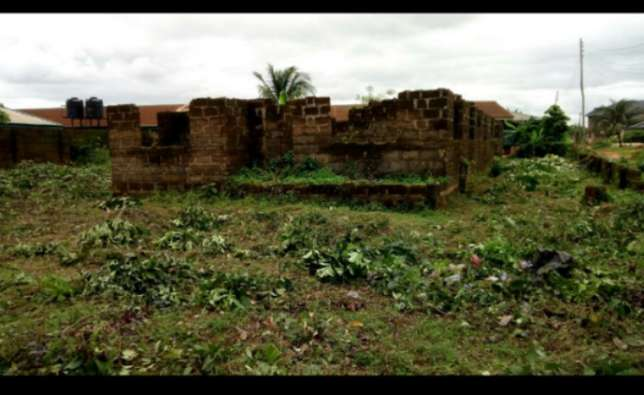 Land and building for urgent sales Ikpoba-Okha - image 3