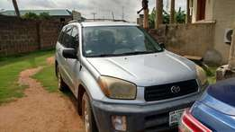 Nigeria Used Ready to drive Rav4 2003 for fast sale