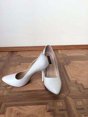 ff5111a733802f Весільні туфлі жіночі білі натуральні шкіряні Тернопіль - зображення 2