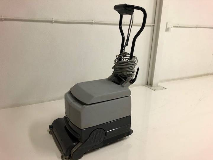 Nilfisk CA430 scrubber dryer