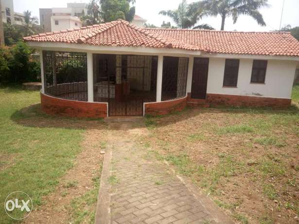 Specious 4br own comp on 1acre rental bungalow in secure Nyali area Nyali - image 2