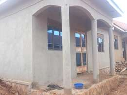Brand new 2 bedrooms for Rent self contrained off entebbe road