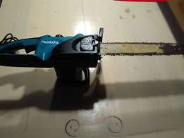 MAKITA UC4020A electric chainsaw