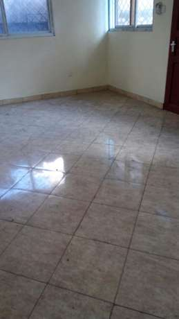 2 bedroom apartment Mwembe Tyr Mombasa Island - image 7