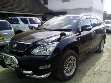 Toyota harrier ,automatic,super clean..trade in ok Karen - image 3