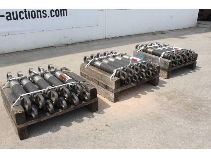 Hydraulische Cilinder  80/45 350mm Slag 30 Stuks