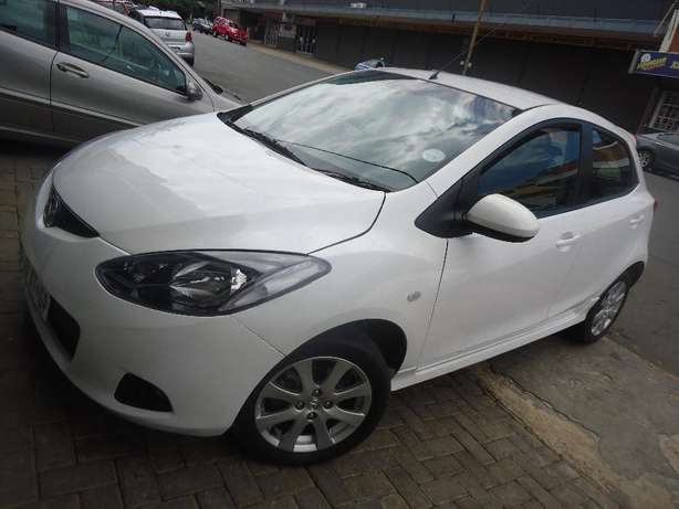 2011 Mazda 2 1.5 Dynamic Available for Sale Johannesburg - image 2