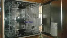Defy dishwasher silver matalic in great condition no dents or scraches