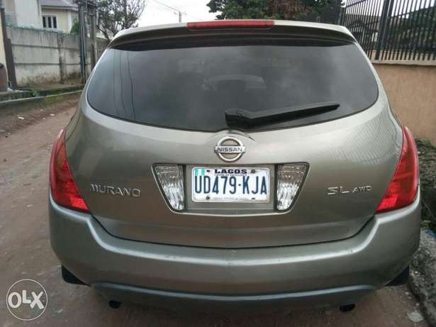 ADORABLE MOTORS: An extremely clean & sound 2004 Nissan Murano 4 sale Lagos Mainland - image 3