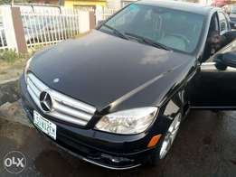 2012 Mercedes Benz c300 few months used