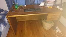 Solid wood desk with 2 drawers