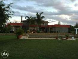 Athiriver, Exquisite well kept 10 bedroom all end suit villa on 2acres