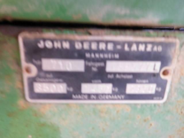 John Deere 710 - 1966 - image 4