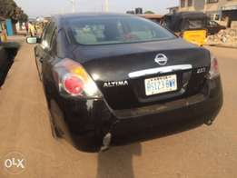 neatly used Nissan Altima